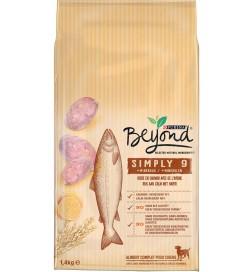 Beyond Simply 9 chien adulte riche en saumon avec avoine