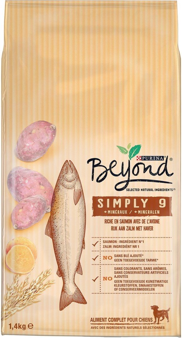Beyond Simply 9 chien adulte riche en saumon avec avoine