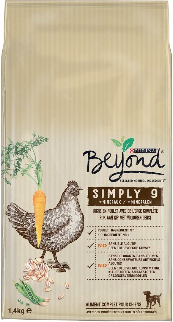 Beyond Simply 9 chien adulte riche en poulet avec orge complète